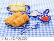 Купить «Русские блины с начинкой икрой», фото № 2466206, снято 6 апреля 2011 г. (c) ElenArt / Фотобанк Лори