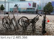 Купить «Велосипеды на стоянке, Хельсинки», фото № 2485366, снято 30 июля 2009 г. (c) Vladimir Fedoroff / Фотобанк Лори
