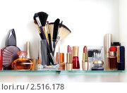 Купить «Полка с косметикой», фото № 2516178, снято 1 мая 2011 г. (c) Литова Наталья / Фотобанк Лори