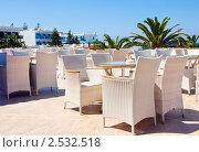 Купить «Кафе на открытом воздухе, Греция, Крит», фото № 2532518, снято 8 сентября 2010 г. (c) ElenArt / Фотобанк Лори