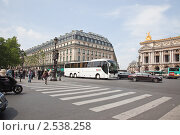 Купить «Гранд-Опера на площади Опера», фото № 2538258, снято 3 мая 2011 г. (c) Parmenov Pavel / Фотобанк Лори