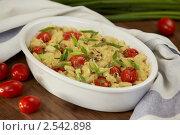Запеканка. Макароны с сыром и помидорками черри. Стоковое фото, фотограф Maria Savelieva / Фотобанк Лори