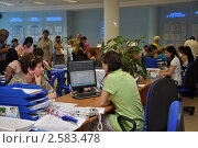 Подбор вакансий на бирже труда (2011 год). Редакционное фото, фотограф Анна Мартынова / Фотобанк Лори