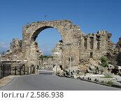 Древняя триумфальная арка, Сиде, Турция. Стоковое фото, фотограф Александр Верховцев / Фотобанк Лори