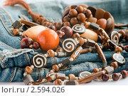 Этнические украшения, деревянные бусы и браслеты. Стоковое фото, фотограф Мария Исаченко / Фотобанк Лори