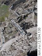 Пробка на горной дорое. Гималаи, фото № 2594130, снято 19 мая 2011 г. (c) Виктор Карасев / Фотобанк Лори