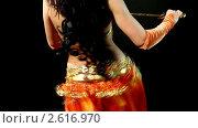 Купить «Арабский танец живота с саблей», видеоролик № 2616970, снято 19 октября 2010 г. (c) Гурьянов Андрей / Фотобанк Лори