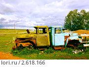 Купить «Две кабины», фото № 2618166, снято 2 июня 2011 г. (c) Хайрятдинов Ринат / Фотобанк Лори