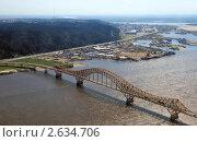 Купить «Ханты-Мансийск, вид сверху на мост через Иртыш», фото № 2634706, снято 27 июня 2011 г. (c) Круглов Олег / Фотобанк Лори