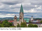Купить «Старые башни церквей высятся над старой частью города Падерборн, Германия», фото № 2652346, снято 17 июня 2019 г. (c) Fro / Фотобанк Лори