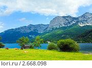 Купить «Горное альпийское озеро», фото № 2668098, снято 4 июня 2011 г. (c) Юрий Брыкайло / Фотобанк Лори
