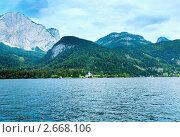 Купить «Горное альпийское озеро», фото № 2668106, снято 4 июня 2011 г. (c) Юрий Брыкайло / Фотобанк Лори