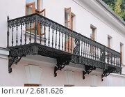 Купить «Старый кованый балкон», эксклюзивное фото № 2681626, снято 18 сентября 2009 г. (c) Алёшина Оксана / Фотобанк Лори
