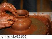 Изготовление глиняного горшка. Стоковое фото, фотограф Евгений Можаровский / Фотобанк Лори