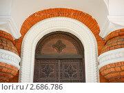 Старинная резная дверь. Стоковое фото, фотограф Артем Кудрявцев / Фотобанк Лори