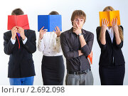 Купить «Студенты на светлом фоне», фото № 2692098, снято 4 апреля 2020 г. (c) Александр Макаров / Фотобанк Лори