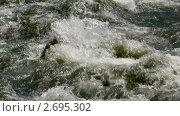 Купить «Мощный поток горной реки», видеоролик № 2695302, снято 3 июля 2010 г. (c) Юрий Пономарёв / Фотобанк Лори