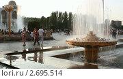 Городской фонтан. г.Бишкек. Киргизия. (2011 год). Редакционное видео, видеограф Юрий Пономарёв / Фотобанк Лори