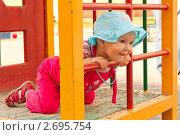 Маленькая девочка на детской площадке. Стоковое фото, фотограф Камалетдинов Ринат Хусаенович / Фотобанк Лори