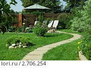 Купить «Дорожка в саду», фото № 2706254, снято 16 июля 2011 г. (c) Алексей Кузнецов / Фотобанк Лори
