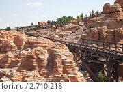 Купить «Большая гремящая гора, аттракцион», фото № 2710218, снято 4 мая 2011 г. (c) Parmenov Pavel / Фотобанк Лори
