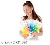 Купить «Молодая женщина с палитрой на белом фоне. Дизайнер интерьера.», фото № 2721090, снято 17 мая 2011 г. (c) Мельников Дмитрий / Фотобанк Лори