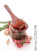 Купить «Сушеные томаты в банке на белом фоне», фото № 2723118, снято 9 августа 2011 г. (c) Светлана Зарецкая / Фотобанк Лори