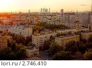 Летний закат в Москве, фото № 2746410, снято 19 августа 2011 г. (c) Kremchik / Фотобанк Лори