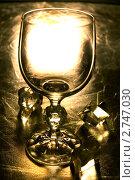 Купить «Бокал с кубиками льда», фото № 2747030, снято 14 июля 2009 г. (c) Виктор Топорков / Фотобанк Лори