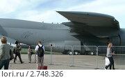 Купить «Самолет С-5 на земле», видеоролик № 2748326, снято 19 августа 2011 г. (c) Александр Рыбаков / Фотобанк Лори