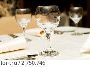 Купить «Сервированный стол в ресторане», фото № 2750746, снято 26 марта 2010 г. (c) Elnur / Фотобанк Лори