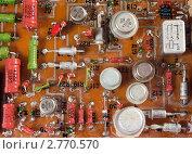 Старые радиодетали на печатной плате, эксклюзивное фото № 2770570, снято 3 сентября 2011 г. (c) Константин Косов / Фотобанк Лори