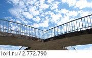 Мост на фоне облаков. Стоковое фото, фотограф Анжелика Гальченко / Фотобанк Лори