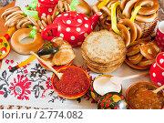 Купить «Традиционные масленичные блюда», фото № 2774082, снято 6 марта 2011 г. (c) Яков Филимонов / Фотобанк Лори