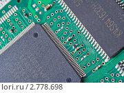 Купить «Компьютерная плата с чипом», фото № 2778698, снято 31 августа 2011 г. (c) Алексей Букреев / Фотобанк Лори