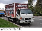 Купить «Припаркованный на улице фургон Hyundai HD 78», эксклюзивное фото № 2782946, снято 4 сентября 2011 г. (c) Дмитрий Абушкин / Фотобанк Лори