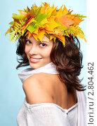 Купить «Девушка в венке из листьев», фото № 2804462, снято 13 сентября 2011 г. (c) Serg Zastavkin / Фотобанк Лори