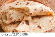 Купить «Кыстыбый с картофелем.Национальная татарская выпечка», фото № 2815086, снято 23 сентября 2011 г. (c) Alexandra Ustinskaya / Фотобанк Лори
