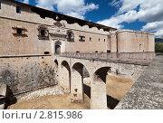 Купить «Древняя испанская крепость в городе Л'Акуила района Абруццо, Италия», фото № 2815986, снято 5 сентября 2011 г. (c) Николай Винокуров / Фотобанк Лори