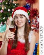 Купить «Девушка празднует новый год», фото № 2831378, снято 5 января 2011 г. (c) Яков Филимонов / Фотобанк Лори