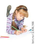 Купить «Девочка рисует на полу», фото № 2836166, снято 1 октября 2011 г. (c) Вера Франц / Фотобанк Лори