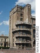 Купить «Здание», фото № 2839602, снято 5 июня 2011 г. (c) Руслан Якубов / Фотобанк Лори