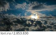 Купить «Облачный пейзаж с солнцем», видеоролик № 2853830, снято 6 октября 2011 г. (c) Алексей Ухов / Фотобанк Лори