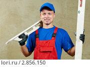 Купить «Штукатур на работе», фото № 2856150, снято 20 марта 2019 г. (c) Дмитрий Калиновский / Фотобанк Лори