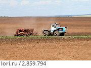 Купить «Сев озимых», фото № 2859794, снято 27 августа 2011 г. (c) Вадим Орлов / Фотобанк Лори