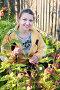 Женщина с ежевикой, фото № 2867166, снято 29 августа 2009 г. (c) Майя Крученкова / Фотобанк Лори