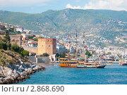 Вид на Красную башню с моря, Алания, Турция (2011 год). Редакционное фото, фотограф Кардаш Валерия / Фотобанк Лори