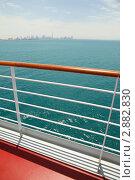 Купить «Палуба корабля на фоне Дубая», фото № 2882830, снято 17 апреля 2010 г. (c) Losevsky Pavel / Фотобанк Лори