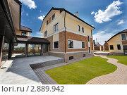 Дом, фото № 2889942, снято 14 мая 2011 г. (c) Илья Лиманов / Фотобанк Лори