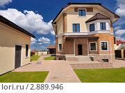 Купить «Дом», фото № 2889946, снято 14 мая 2011 г. (c) Илья Лиманов / Фотобанк Лори